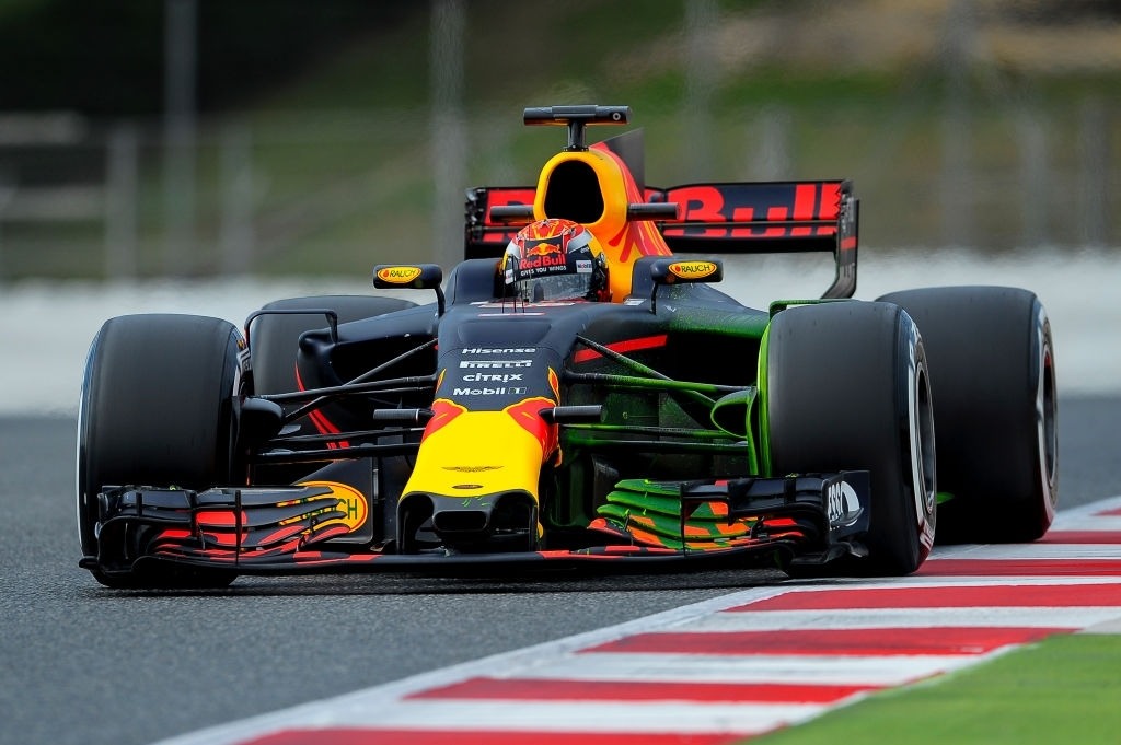 Max Verstappen was penalize for going out of circuit in US Grand Prix in 2017.