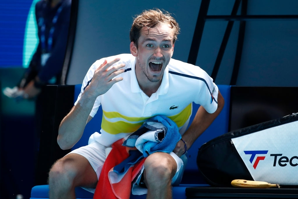 Dannil Medvedev got furious at his caoach and asked him to leave the venue during the fourth round of Australian Open 2021.
