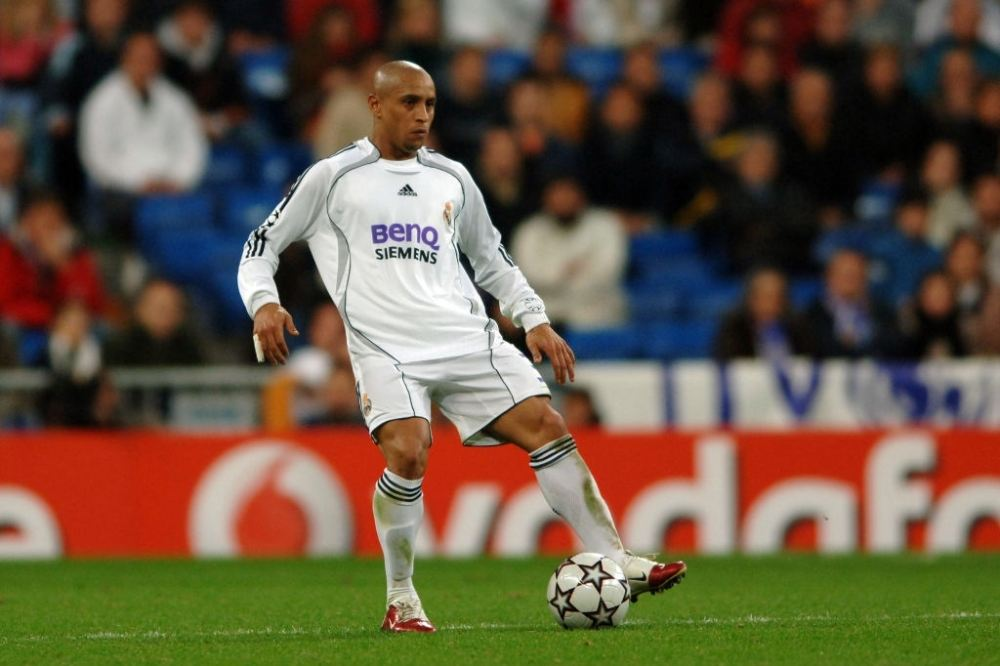Roberto Carlos in a match for Real Madrid.