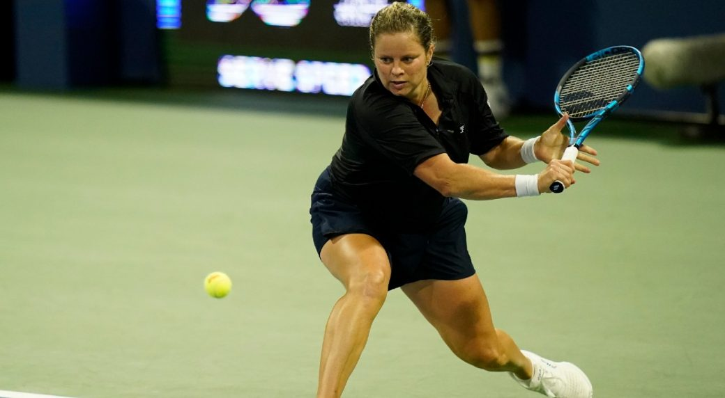 Kim Clijsters withdraws her entry from the 2021 Miami Open due to her knee injury.