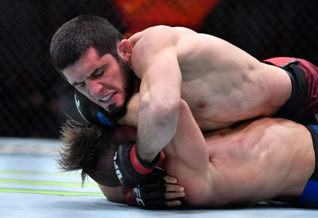 Islam Makhachev fights Dober at the UFC 259