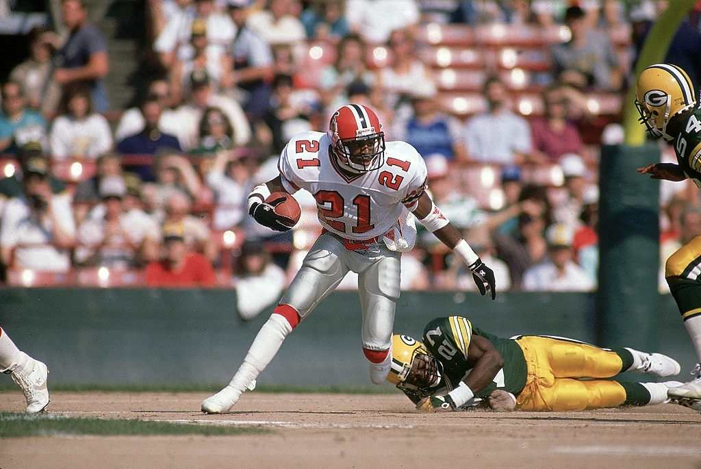 best cornerbacks of all time Deion Sanders (21) in action