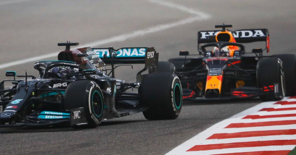 Verstappen and hamilton shared some nervy moments during the closing stage of Bahrain grand prix