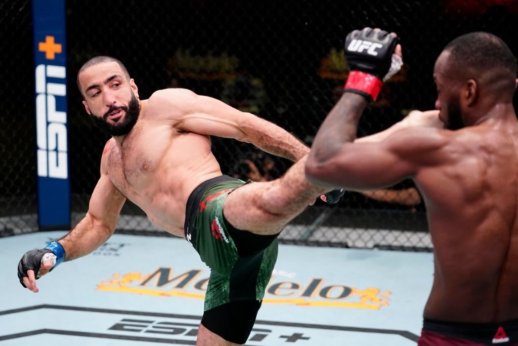 Belal Muhammad getting in a nice kick in his match against Leon Edwards.