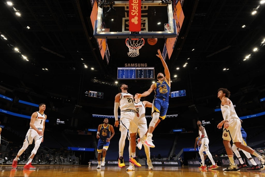 The layup that took Stephen Curry ahead of Wilt Chamberlain as the all-time leading scorer