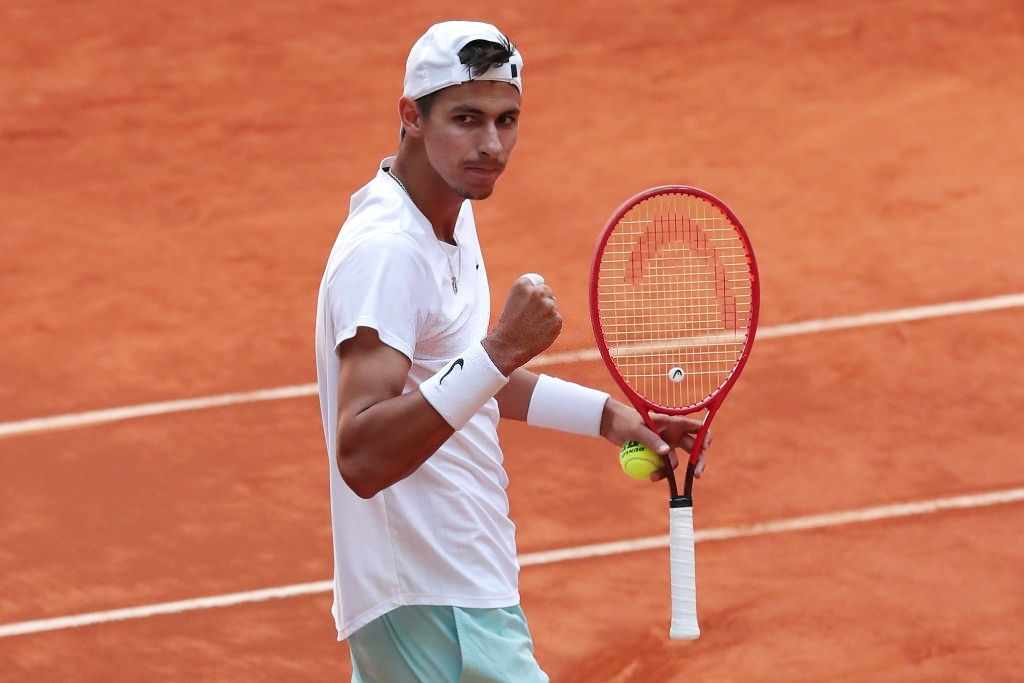 Alexei Popyrin of Australia celebrates winning his second round match against Jannik Sinner of Italy during day seven of the Mutua Madrid Open at La Caja Magicaon May 05, 2021 in Madrid, Spain. (Photo by Gonzalo Arroyo Moreno/Getty Images)