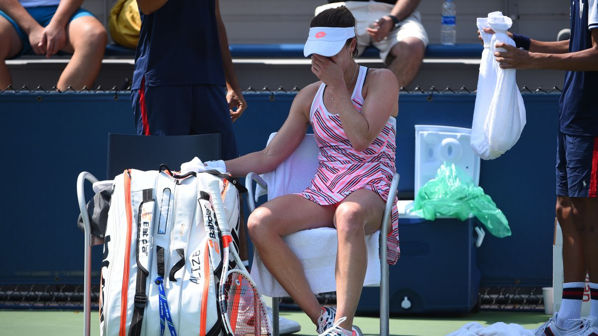 Alizé Cornet shirt-changing act made her fall into an unwanted controversy